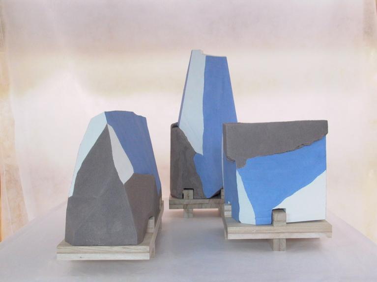 LISTENING-STONES, insieme azzurri